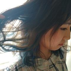 セミロング インナーカラー 外国人風 ハイトーン ヘアスタイルや髪型の写真・画像