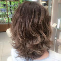 リラックス ミディアム ストリート グラデーションカラー ヘアスタイルや髪型の写真・画像