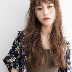 ヌーディベージュ ハイトーン 外国人風 ロング ヘアスタイルや髪型の写真・画像