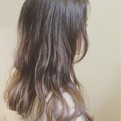 アッシュ グラデーションカラー ストリート 大人かわいい ヘアスタイルや髪型の写真・画像