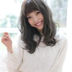 セミロング 透明感 フェミニン ミルクティー ヘアスタイルや髪型の写真・画像