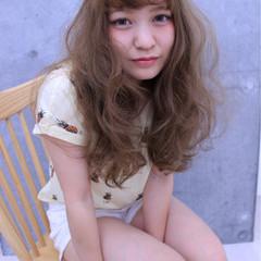 フェミニン かわいい ナチュラル ロング ヘアスタイルや髪型の写真・画像