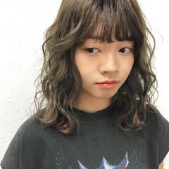 外国人風カラー セミロング インナーカラー 透明感カラー ヘアスタイルや髪型の写真・画像