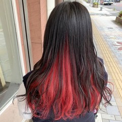 ロング ガーリー インナーカラー インナーカラーレッド ヘアスタイルや髪型の写真・画像
