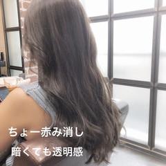 イルミナカラー アッシュベージュ ロング デジタルパーマ ヘアスタイルや髪型の写真・画像
