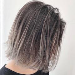 ラベンダーグレージュ グレージュ アッシュグレー ボブ ヘアスタイルや髪型の写真・画像