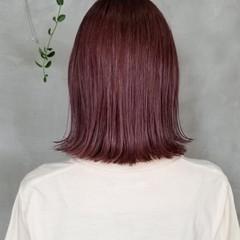 オシャレ 韓国 切りっぱなしボブ チェリーレッド ヘアスタイルや髪型の写真・画像