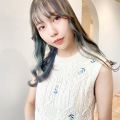 ミルクティーグレージュ インナーカラー ミントアッシュ セミロング ヘアスタイルや髪型の写真・画像