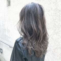 ロング アッシュ アンニュイ ストリート ヘアスタイルや髪型の写真・画像