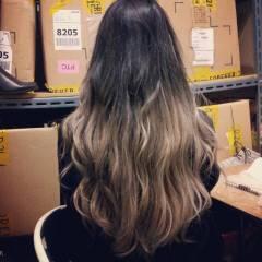 外国人風 グラデーションカラー モード フェミニン ヘアスタイルや髪型の写真・画像
