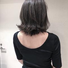 ミディアム フェミニン オフィス ベージュ ヘアスタイルや髪型の写真・画像