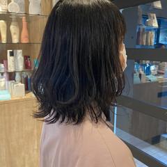 ミディアム ミニボブ 切りっぱなしボブ くびれカール ヘアスタイルや髪型の写真・画像