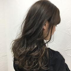 アッシュ セミロング 暗髪 グラデーションカラー ヘアスタイルや髪型の写真・画像