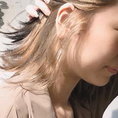 ショート インナーカラー 切りっぱなしボブ アッシュグレージュ ヘアスタイルや髪型の写真・画像
