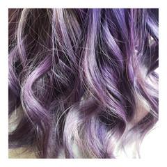 ロング モード パープル 巻き髪 ヘアスタイルや髪型の写真・画像