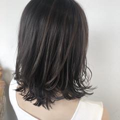 簡単ヘアアレンジ ハイライト 外ハネ 大人ハイライト ヘアスタイルや髪型の写真・画像
