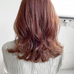 レイヤーカット デジタルパーマ ゆるふわパーマ ミディアム ヘアスタイルや髪型の写真・画像