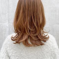 ミディアムヘアー ナチュラル 鎖骨ミディアム ミディアムレイヤー ヘアスタイルや髪型の写真・画像