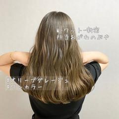 ハイライト ナチュラル ロング グレージュ ヘアスタイルや髪型の写真・画像