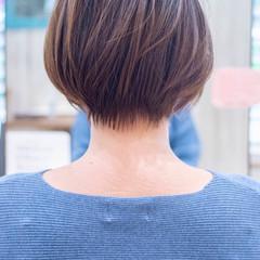くびれボブ 小顔ショート ナチュラル アッシュ ヘアスタイルや髪型の写真・画像