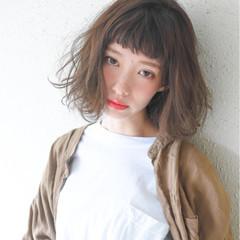 色気 ハイライト フェミニン 前髪あり ヘアスタイルや髪型の写真・画像