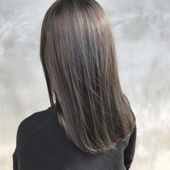 ナチュラル セミロング グレージュ ヘアスタイルや髪型の写真・画像