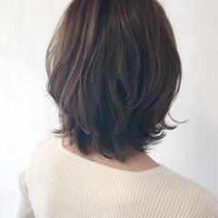 伸ばしかけ ボブ レイヤーカット ナチュラル ヘアスタイルや髪型の写真・画像