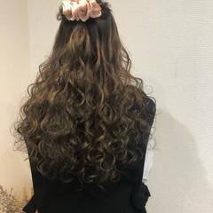 ロング フェミニン 結婚式 ハーフアップ ヘアスタイルや髪型の写真・画像