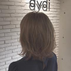 ミディアム ミディアムヘアー フェミニン ミディアムレイヤー ヘアスタイルや髪型の写真・画像