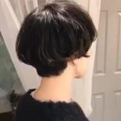 アンニュイほつれヘア 暗髪 ゆるふわ ショート ヘアスタイルや髪型の写真・画像
