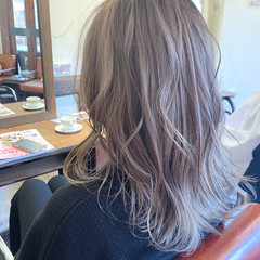 バレイヤージュ ブリーチ セミロング 大人可愛い ヘアスタイルや髪型の写真・画像