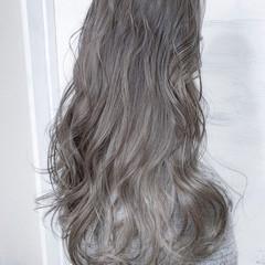 コンサバ ロング アッシュグレージュ デート ヘアスタイルや髪型の写真・画像