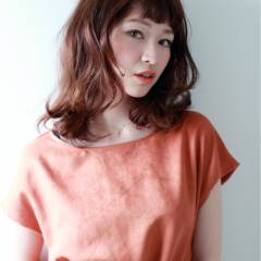 オン眉 抜け感 秋 ミディアム ヘアスタイルや髪型の写真・画像