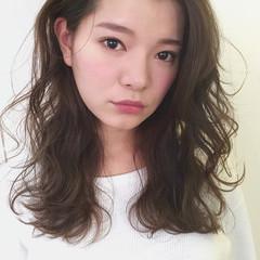 パーマ デジタルパーマ アンニュイほつれヘア ナチュラル ヘアスタイルや髪型の写真・画像