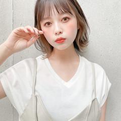 小顔ヘア ミディアム 透明感 インナーカラー ヘアスタイルや髪型の写真・画像