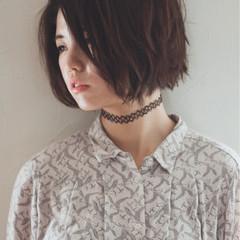 切りっぱなし 暗髪 くせ毛風 ナチュラル ヘアスタイルや髪型の写真・画像