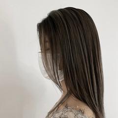 ハイライト 極細ハイライト ミディアム ナチュラル ヘアスタイルや髪型の写真・画像