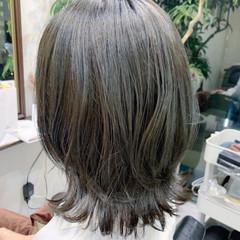 レイヤーカット ミディアム ハイライト イルミナカラー ヘアスタイルや髪型の写真・画像