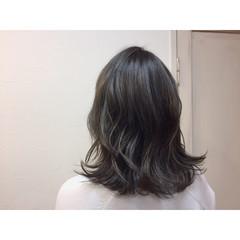 ナチュラル ハイライト グラデーションカラー アッシュ ヘアスタイルや髪型の写真・画像
