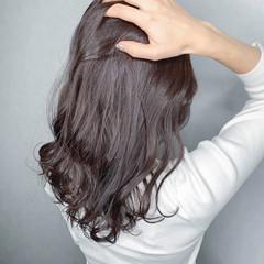 セミロング イルミナカラー ハイライト 大人可愛い ヘアスタイルや髪型の写真・画像