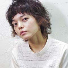 外国人風 ミディアム ブラウン ストリート ヘアスタイルや髪型の写真・画像