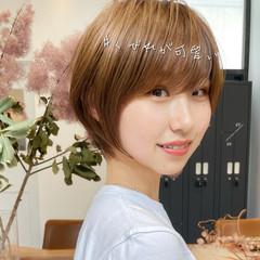 ショートボブ ショート ナチュラル インナーカラー ヘアスタイルや髪型の写真・画像
