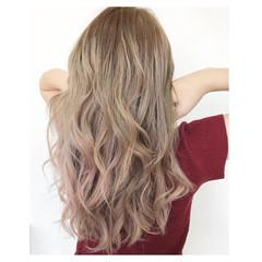 ピンク ハイトーン ホワイトカラー ピンクベージュ ヘアスタイルや髪型の写真・画像