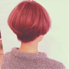 ショート モード ピンク レッド ヘアスタイルや髪型の写真・画像