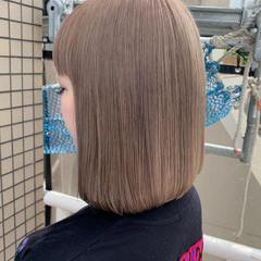 ホワイトグレージュ ミルクティーグレージュ ホワイトベージュ ミルクティー ヘアスタイルや髪型の写真・画像