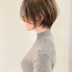 ショートボブ アンニュイほつれヘア ナチュラル ショートヘア ヘアスタイルや髪型の写真・画像