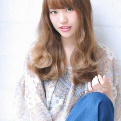 前髪あり セミロング パーマ アッシュ ヘアスタイルや髪型の写真・画像