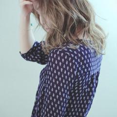 外国人風 ストリート アッシュ ミディアム ヘアスタイルや髪型の写真・画像