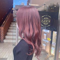 ナチュラル セミロング ピンクブラウン ベリーピンク ヘアスタイルや髪型の写真・画像