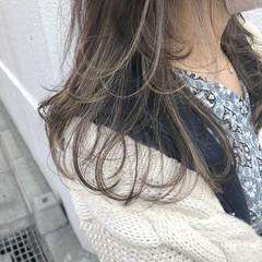 グレージュ デート フェミニン セミロング ヘアスタイルや髪型の写真・画像